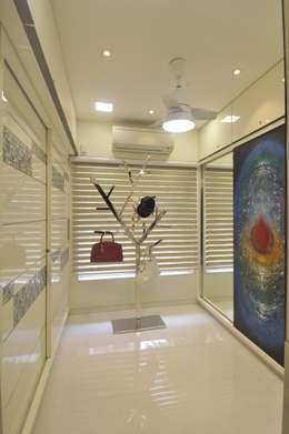 modern Dressing room by Mybeautifulife