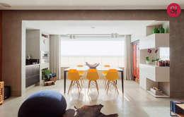 Comedores de estilo moderno por Botti Arquitetura e Interiores-Natália Botelho e Paola Corteletti