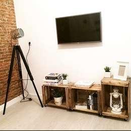 Livings de estilo rústico por EnKaja