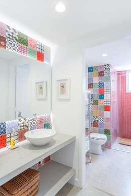 Baños de estilo  por Nautilo Arquitetura & Gerenciamento