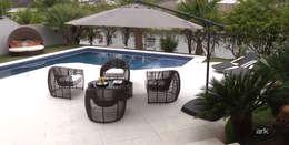 Piscinas de estilo tropical por RUTE STEDILE INTERIORES & ARQUITETOS ASSOCIADOS