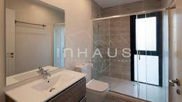 Ванные комнаты в . Автор – Casas inHAUS