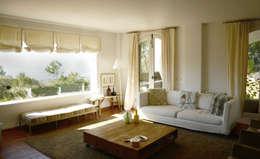 Domingo y Luque Arquitectura: akdeniz tarzı tarz Oturma Odası