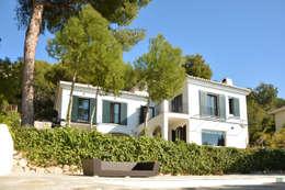 Jardines de estilo mediterraneo por Domingo y Luque Arquitectura