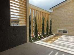 Jardines de estilo moderno por DIOMANO設計