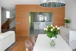 modern Dining room by Modesto Crespo