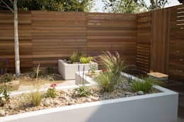 Cool but Funky, Contempoary Garden: modern Garden by J B Landscapes LTD