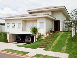 Casas de estilo moderno por Maria Helena Caetano _ Arquitetura e Interiores