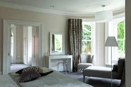 Projekty,  Sypialnia zaprojektowane przez Des Ewing Residential Architects