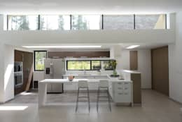 modern Living room by Kubik Lab