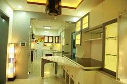 Kulkarni Project: modern Dining room by wynall interiors