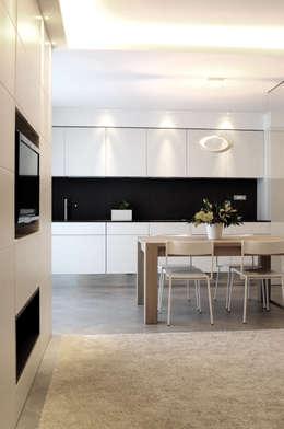 minimalistische Woonkamer door tea.rchitettura