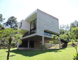 Casas de estilo minimalista por jose m zamora ARQ