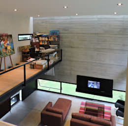 El hormigón como protagonista.: Estudios y oficinas de estilo minimalista por jose m zamora ARQ