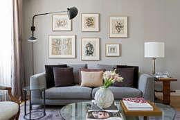 Paris Apartment: Salas de estar modernas por DIEGO REVOLLO ARQUITETURA S/S LTDA.