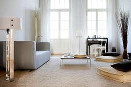 klasieke Woonkamer door Studio Uwe Gaertner Interior Design & Photography
