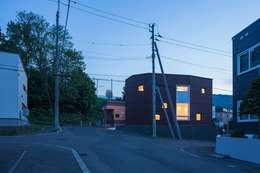 富谷洋介建築設計의  주택
