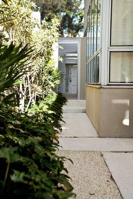 Vườn by Camila Vicari Arquitetura da Paisagem