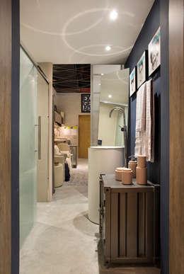 Salle de bains de style  par Paula Werneck Arquitetura