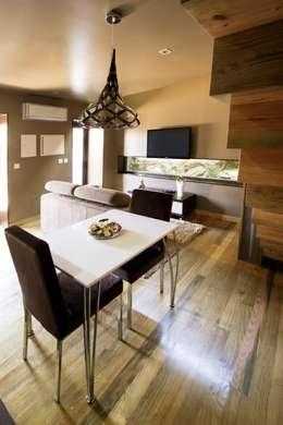 Comedores de estilo moderno por RH Casas de Campo Design
