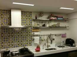 modern Kitchen by Politi Matteo Arquitetura