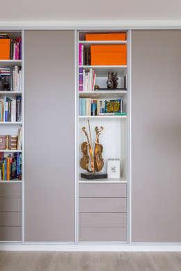 Espace bureau:  de style  par Agence Manuel MARTINEZ