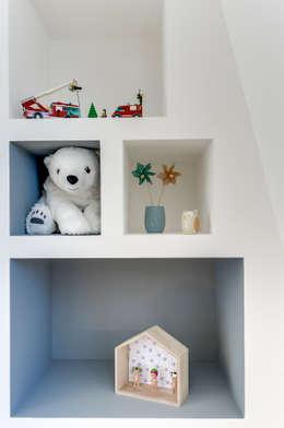 PROJET COLOMBES, Agence Transition Interior Design, Architectes: Carla Lopez et Margaux Meza: Chambre d'enfant de style de style Moderne par Transition Interior Design