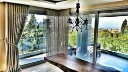 ege perde – SMRYNA PARK  EVLERİ: modern tarz Oturma Odası