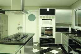Cozinha: Cozinhas modernas por AD ARQUITETURA E DESIGN