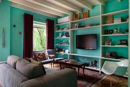 Casa Marjory Basano para Casa de Valentina: Salas de estar modernas por Julia Ribeiro Fotografia
