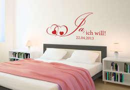 Dormitorios de estilo  por K&L Wall Art