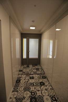 Corridor & hallway by 디자인세븐