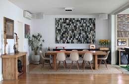 Salle à manger de style de style Moderne par Bruna Riscali Arquitetura e Design