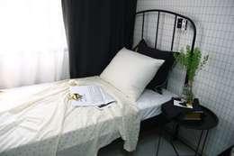 shiny bedding: looms703의  침실