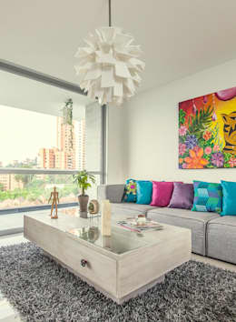modern Living room by Cristina Cortés Diseño y Decoración