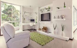 Multimedia room by Cristina Cortés Diseño y Decoración