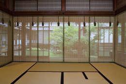 ห้องนั่งเล่น by 株式会社鹿田産業  SHIKADA SANGYO INC.