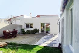 Maison L: Maisons de style de style Moderne par Lab 110