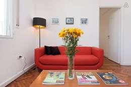 Larrea Apartamento: Livings de estilo moderno por Ballesteros | Arquitectos