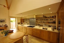 Кухни в . Автор – Arco2 Architecture Ltd