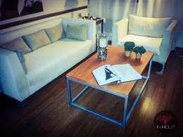 Muebles de Hierro: Livings de estilo rústico por In Hout