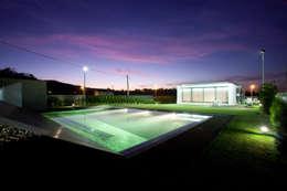 Casas de estilo moderno por aaph, arquitectos lda.