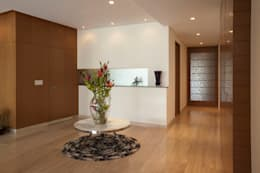 ARCO Arquitectura Contemporánea : modern tarz Koridor, Hol & Merdivenler