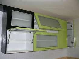 Cozinhas modernas por Exdema Antares C.A