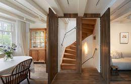 Herengracht bel étage: eclectische Woonkamer door Architectenbureau Vroom