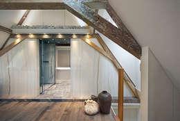 Herengracht slapen en baden: eclectische Badkamer door Architectenbureau Vroom