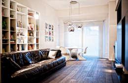 Salon de style de style Moderne par Atelier