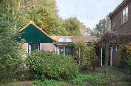 Nhà by Architectenbureau Vroom