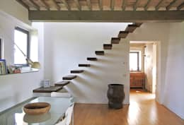 Pasillos y hall de entrada de estilo  por Studio Sarpi