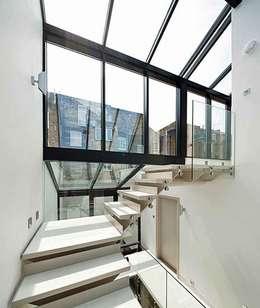 Corridor & hallway by Porcel-Thin